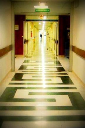 mortel boulot dans Boulot-boulot couloir-hosto